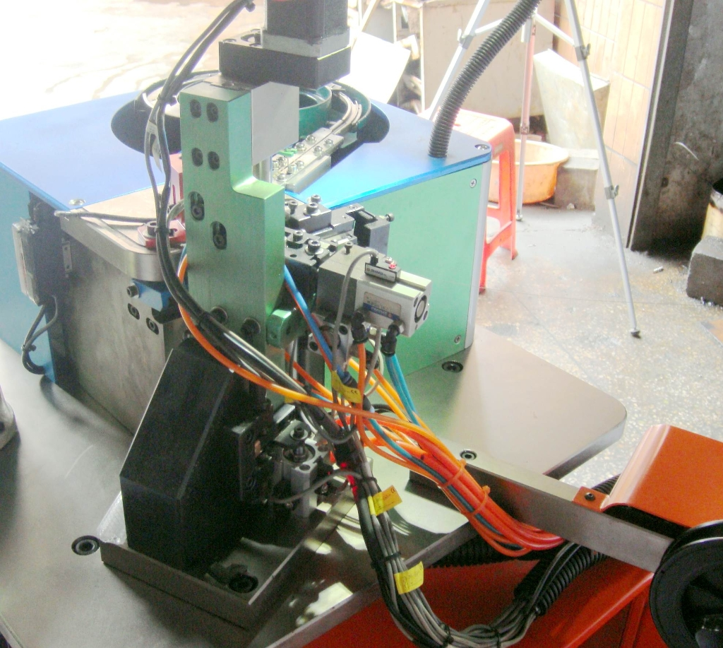 NEW GOLDPRO® Lobster Clasp Production Line �C 2018 « Gold International Machinery