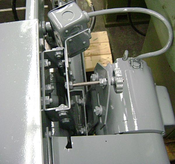 1180 600 Kalamazoo 7 X 10 Wet Cutting Horizontal Cut Off