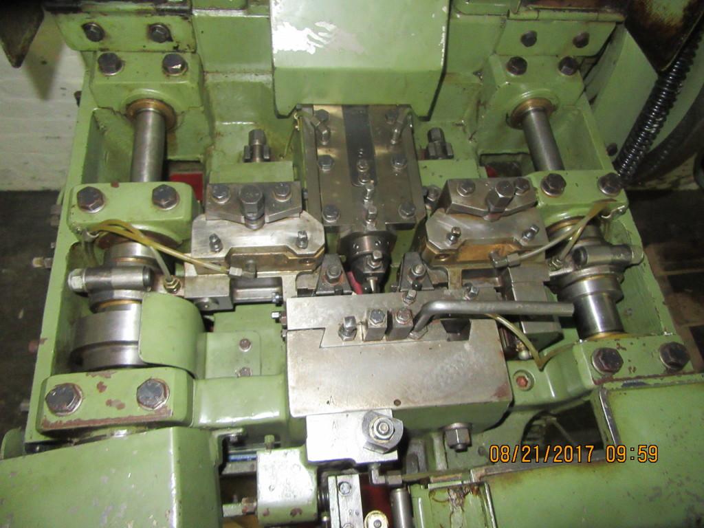 2546-145 Abbondio Vitari Nail Header, Model #VBF/AV5583 « Gold